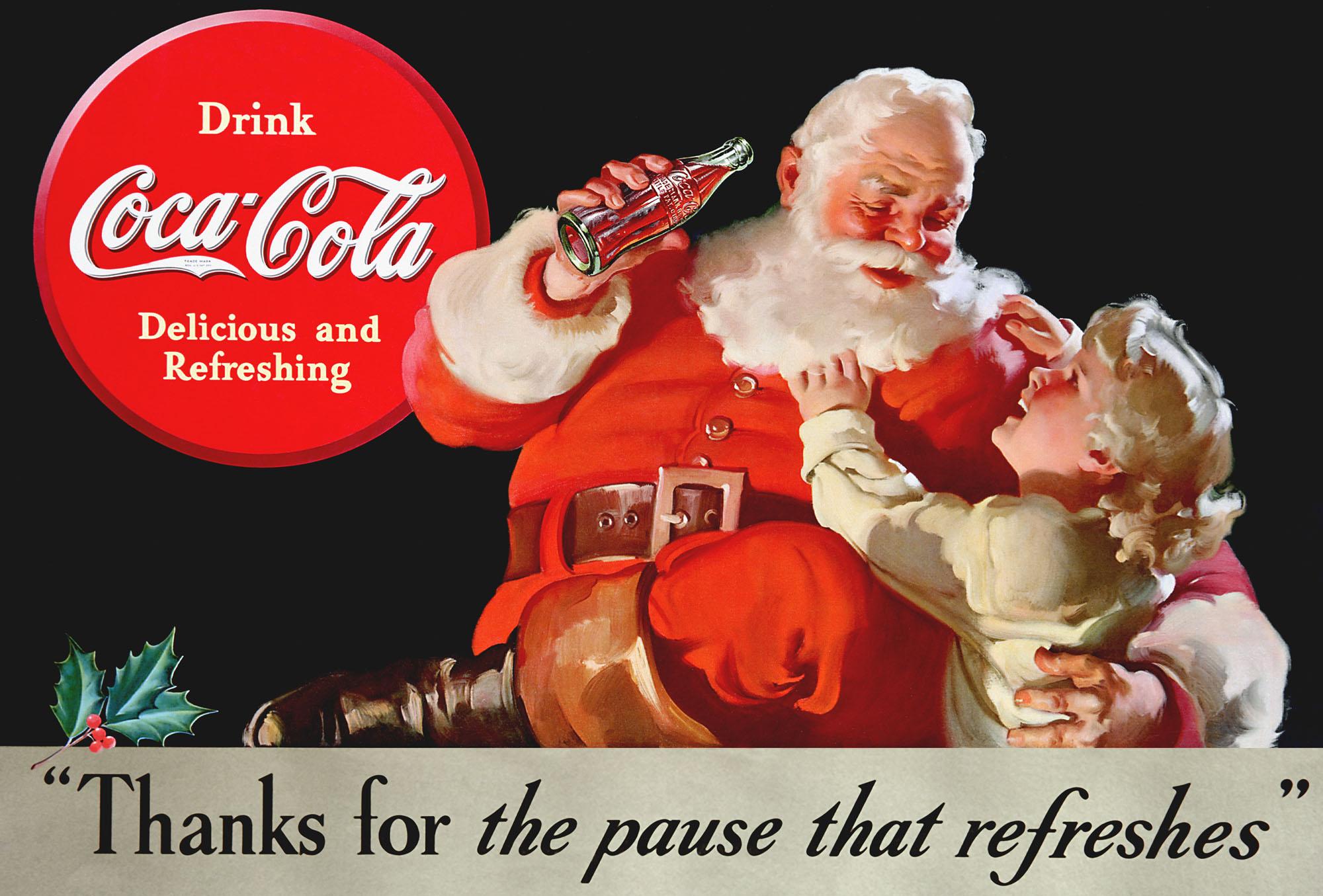 Santa-boît-du-Coca-pendant-la-distribution-de-cadeaux